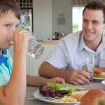 آب ممکن است اشتها و مصرف کالری را کاهش دهد